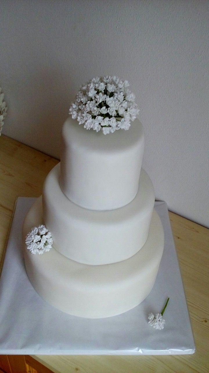 White Wedding Cake - Gypsophila