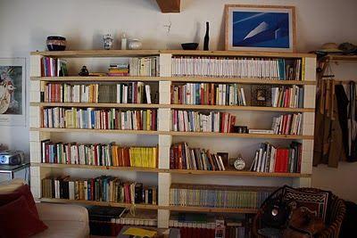 sbancali: libreria assi-mattoni