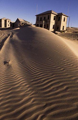 Kolmanskop, Namibia. BelAfrique your personal travel planner - www.BelAfrique.com
