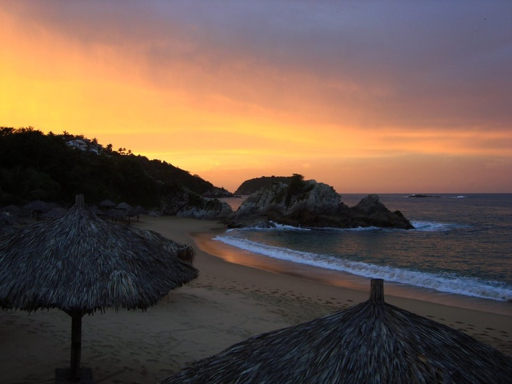 how to call huatulco mexico from canada