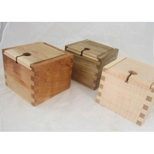 Yarn Boxes - insted of a yarn / knitting bowl