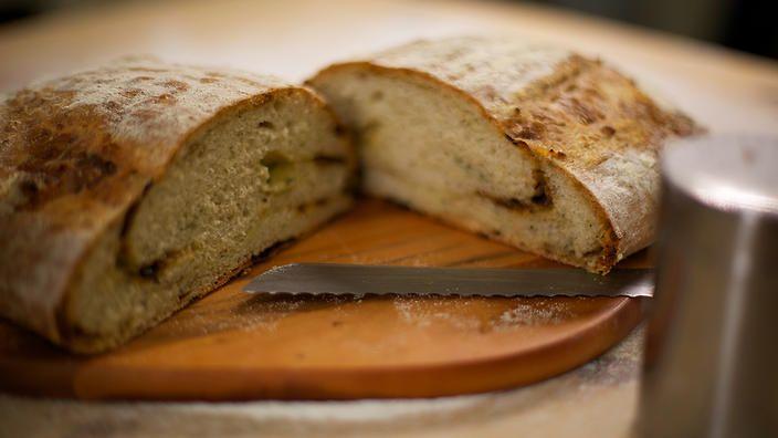 Perl Las and onion bread