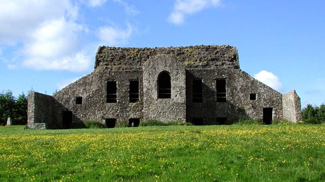 The Hellfire Club, Dublin, Ireland. One of the spookiest places in Ireland http://irelandways.com/creepiest-places-ireland