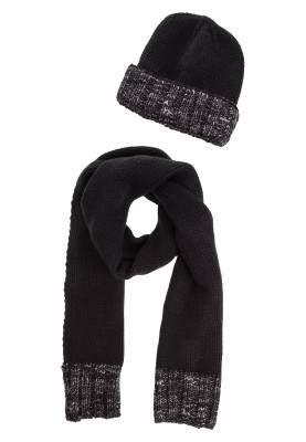 Diesel Kandy Kit Bufanda Black Grey Pañuelos Y Bufandas De Mujer Desde el siglo 18, las mujeres se adornan con bufandas y pañuelos para embellecer y modernizar sus looks.