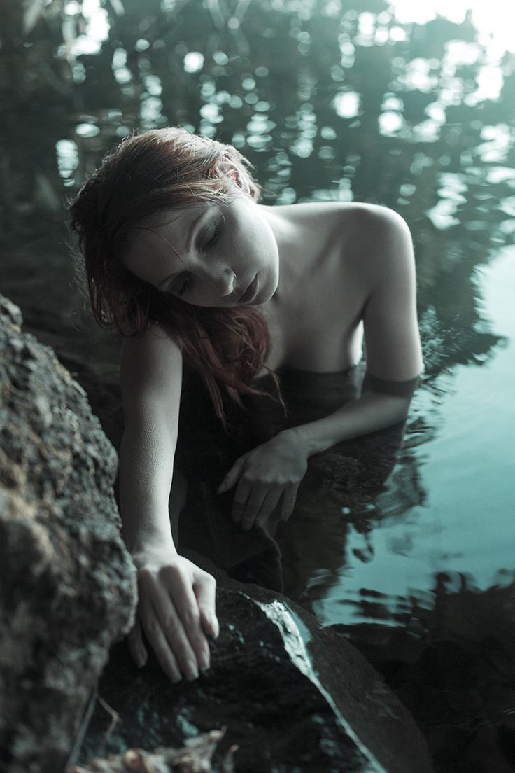 Emanuele Passarelli Photography - NiNa RedGirl - Broken-hearted Mermaid