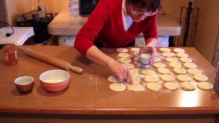 Video ricetta: Bomboloni o krapfen ripieni buonissimi !