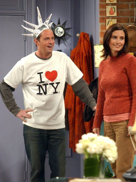 chandler and monica start dating
