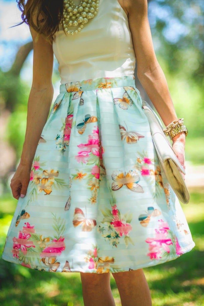 street style - floral skirt