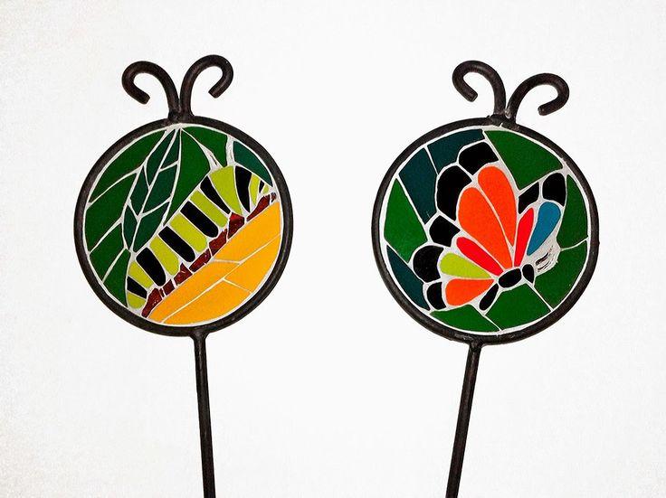 Metamorphosis II: from catterpillar to butterfly [Metamorfosis II: de oruga a mariposa]