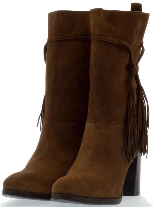 UNISA   Deze prachtige lange laarzen met franjes zijn zojuist in de sale gegaan! Net zo verliefd als wij zijn? Scoor ze door op de foto te klikken!  #laarzen #laarsjes #franje #laarzenmetfranje #shoes #iloveshoes #shoeaddict #shoppen #boots