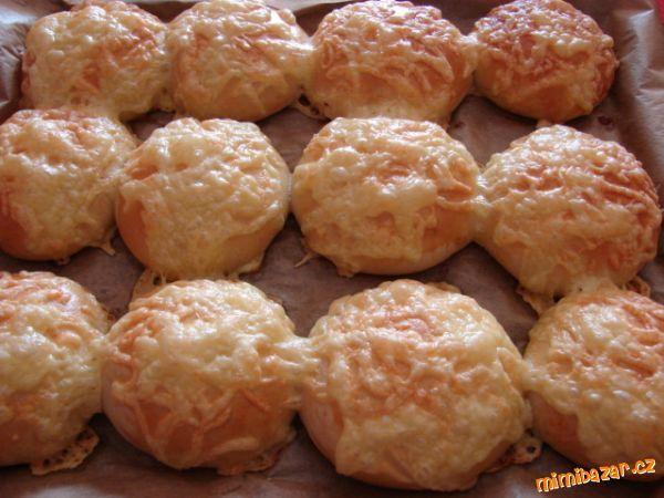 BULKY SE SÝREM-výborné-domácí pekárna
