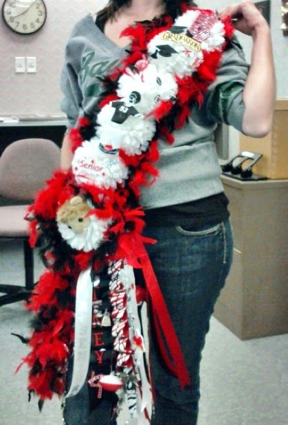 The Domestic Curator: More Big Ole Texas Homecoming Mums
