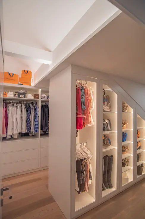 Exklusive Lichtplanung für schicke Designer-Wohnung #Ankleide #Beleuchtung #lig