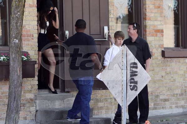 Bill Windsor from the Parlour with Justin, Selena and Kenny