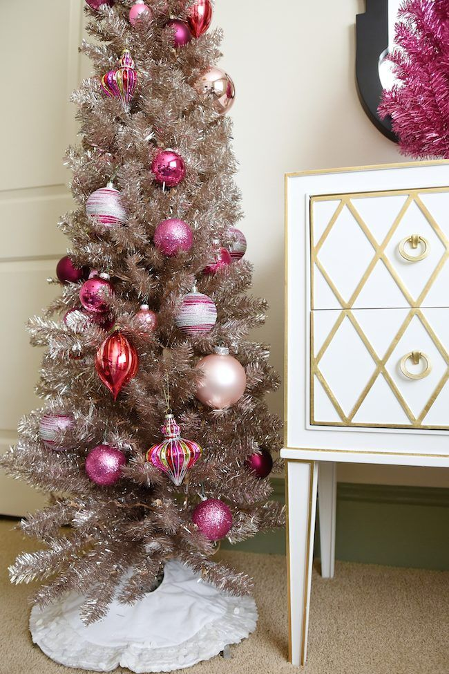 Christmas Tree decor. Honey We're Home #christmastree #homedecor #christmasdecor