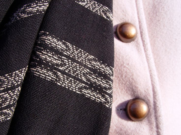 Handwoven scarf and coat buttons #ILLANGO #handwoven #scarf