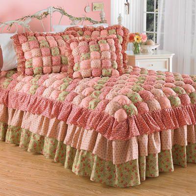 Josephine Puff Quilt Bedspread