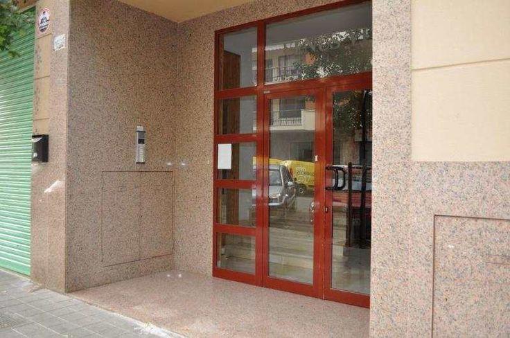 Gepflegte, helle Wohnung mit 3 Schlafzimmern in Palma, El Forti.: Gepflegte, helle Wohnung in Palma, El Forti. Die Wohnung hat 3 Schlaf- und 2 Badezimmer. Zwei Balkone. Gasheizung und...