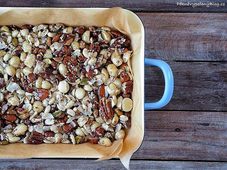 Pečené ořechy s medem (nuts, honey)