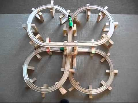 kapla en houten (elektrische) trein