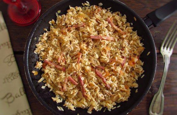 Atum e bacon com arroz