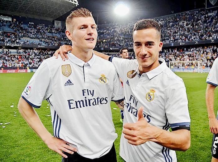Toni and Lucas after winning La Liga