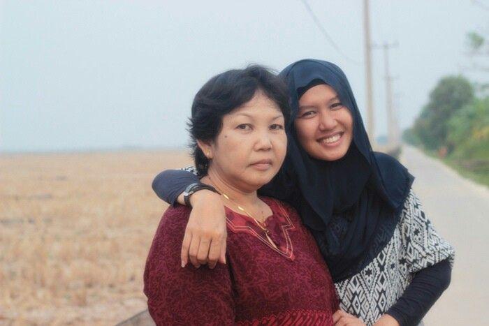 saya dan Ibu kesayangan di dunia ini. Ety Tresnanigsih.