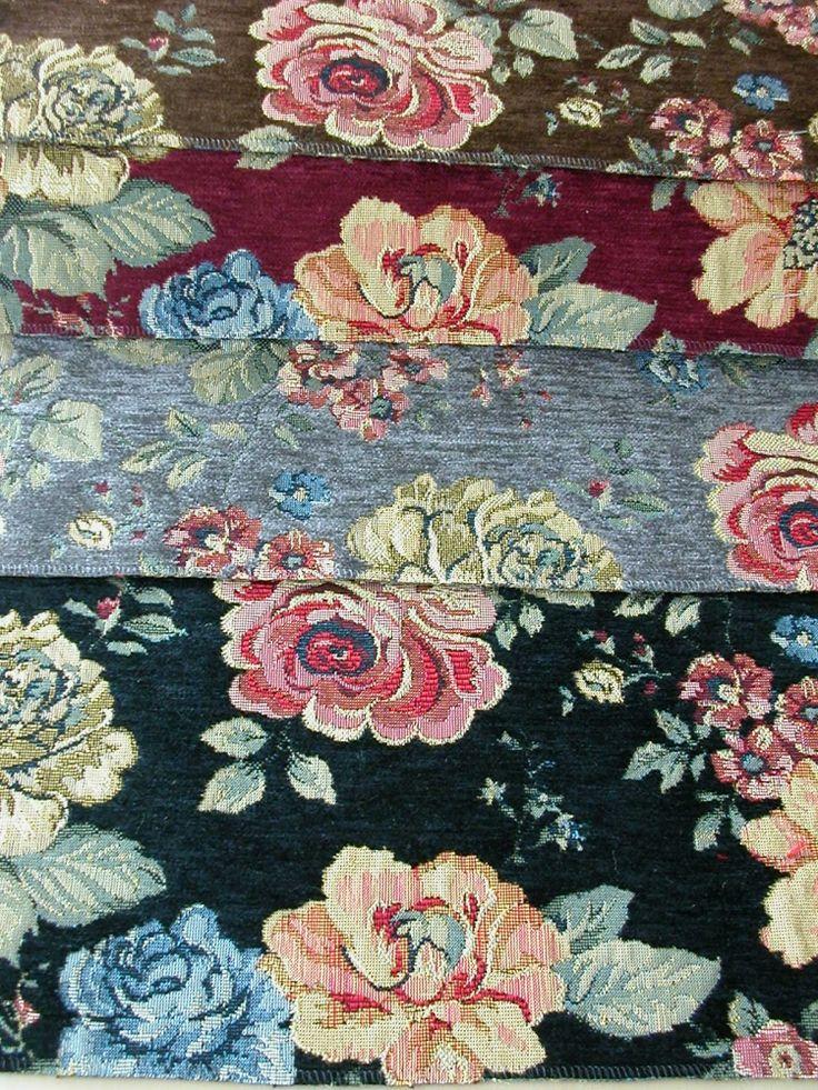 Rózsa mintás, gobelin hatású zsenília szövött bútorszövet. Színek: fekete, szürke, bordó, barna