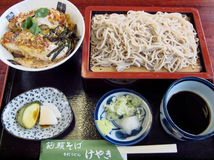 手打うどん・そば けやき: ミニ丼セット1,000円をバルチケットでご提供
