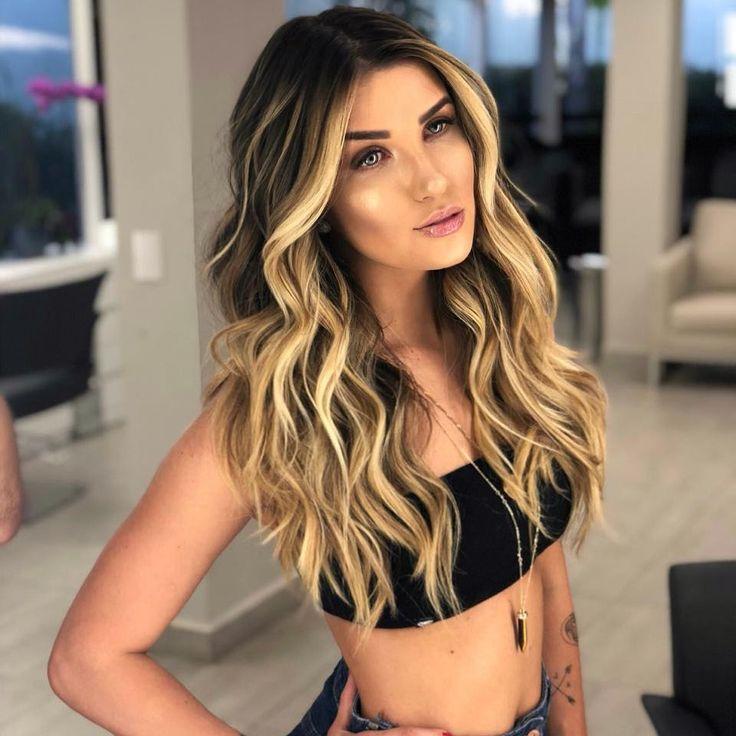Dia de mais uma mudança com a a gata @alinegoficial mudança assinada pra nova coleção de @trusshair , gostaram ? in 2020 | Balayage hair, Hair beauty:__cat__, Hair styles