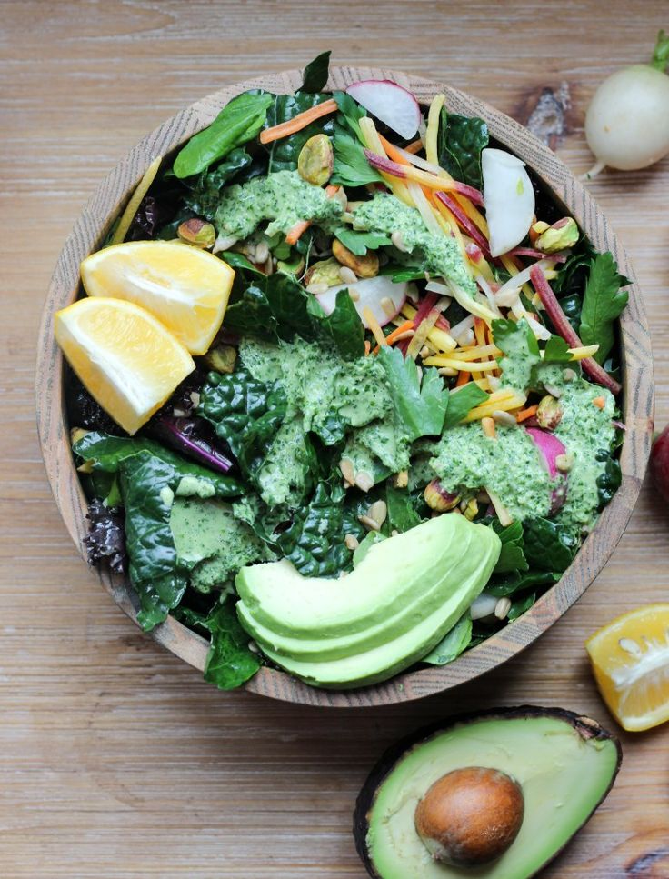 vegan detox salad & cilantro tahini dressing | apolloandluna.com