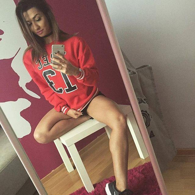 Kobieco ❤ #trecgirl #checkform #abs #sixpack #squats#poniedziałek#trening #shesquats #bodybuilding #fitness #motivation #muscle#girlwithmuscles #lift #girlwholift #sexybeast #fitlife #fitfreak #fitnessfreak #photooftheday #wtorek #selfie #fitbody #fitness #motivation #lift #workout #workhard #polishgirl #siłownia  @kasiaoleskiewicz @trecwear @trecnutrition