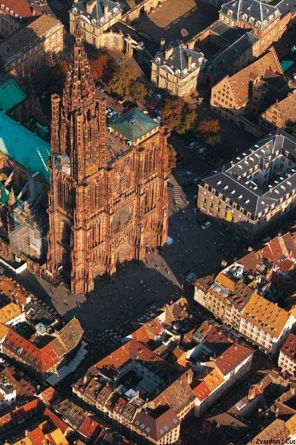 Cathédrale Notre-Dame de Strasbourg, à découvrir lors de votre séjour dans l'un de nos hôtels By HappyCulture : https://www.happyculture.com/