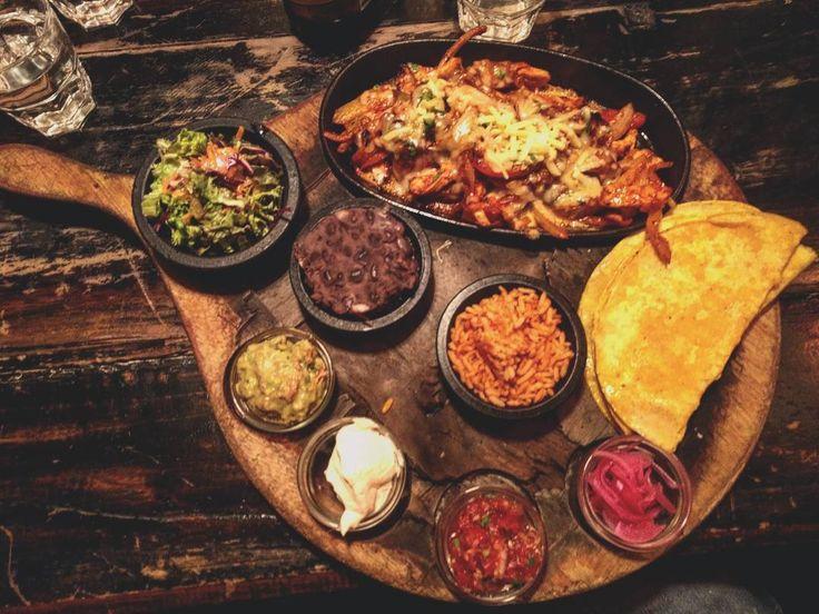 Mexican dinner!!! #mejico #mexico #pic #picoftheday #food #cocina #foodphotography #foodpost #foodporn #tortilla #pollo #chicken #chefsofinstagram #cheflife