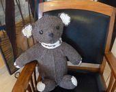 Gros Nounours calin en laine marron avec écharpe écrue : Jeux, peluches, doudous par www-lespetitsfrileux-com