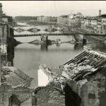 Sette ponti importanti di Firenze sono state distrutte all'inizio di agosto 1944