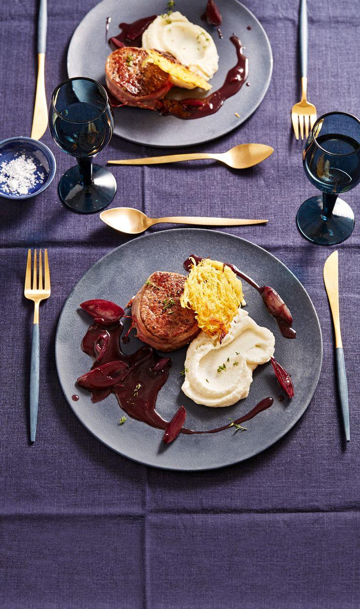 Rinderfilet in Rotweinsoße mit Selleriepüree und Rösti
