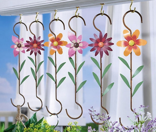 Garden Hooks For Hanging Plants | ... hanging basket hooks made from metal can be used indoors or out hooks