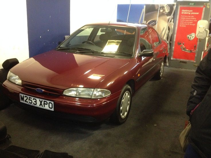 Classic Ford Mondeo Mk1 Limited Edition
