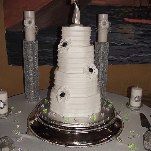 Octagon wedding cake with Anemones