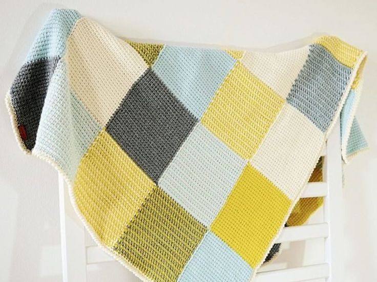 DIY-Anleitung: Patchwork-Babydecke tunesisch häkeln / crochet instruction: how to crochet a blanket tunisian style via DaWanda.com