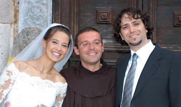 Oggi è l'anniversario della morte di Chiara Corbella, nata al cielo nel 2012 all'età di 28 anni per un carcinoma alla lingua. Ho conosciuto la sua storia attraverso Tommaso, un mio amico di Milano,…