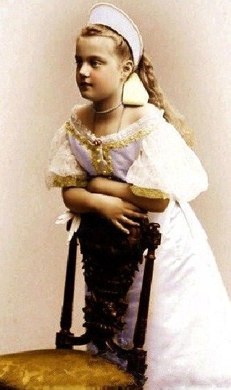 Grand Duchess Maria Pavlovna the Younger (1890 – 1958) in her official dress to the Russian Imperial Court. 1900. #Russian #history #Romanov