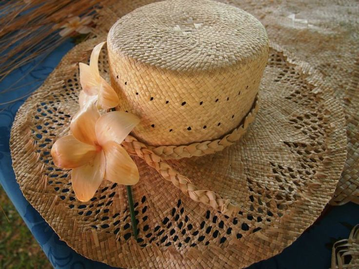 Niue hat made from fa leaves