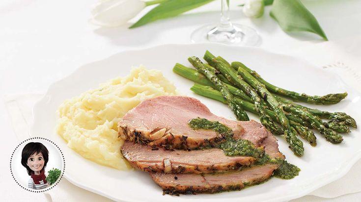 Dégustez cette recette de gigot d'agneau au romarin et au citron de Josée di Stasio