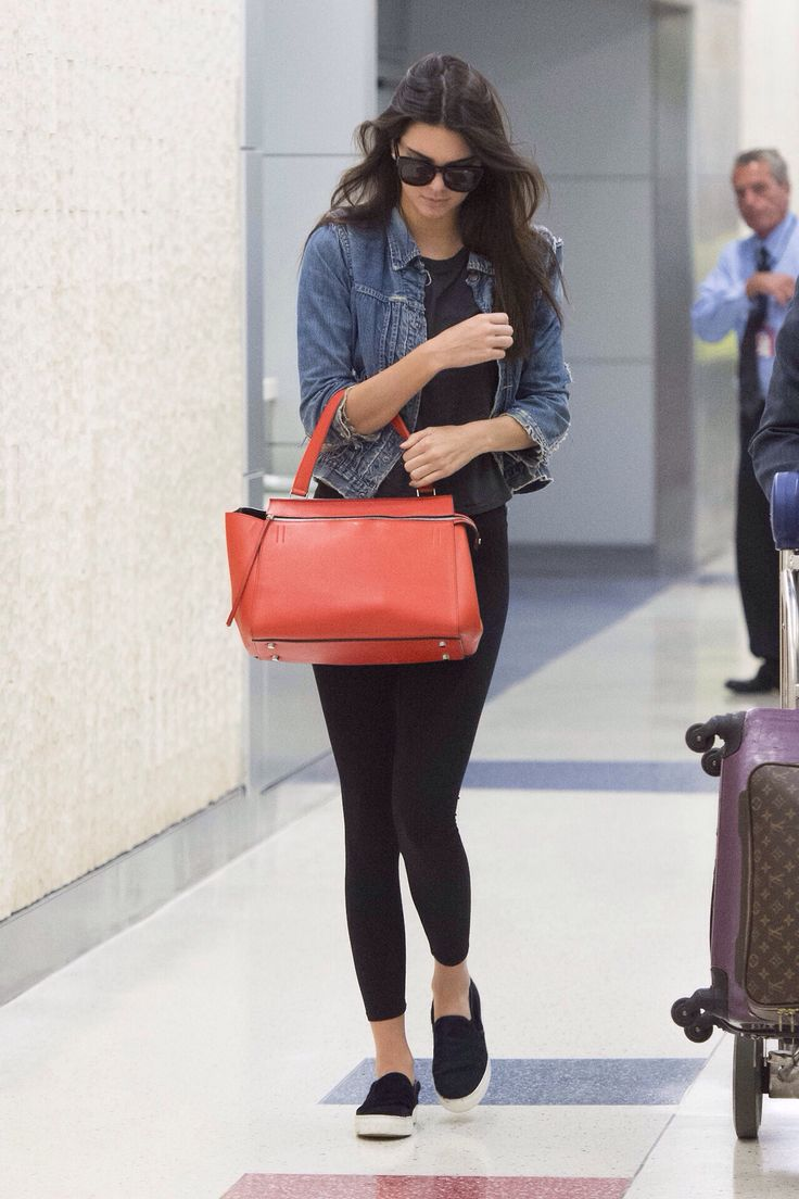 08.02.14: Kendall arriving at JFK airport in New York