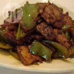 Poitrine de porc sautée au piment vert