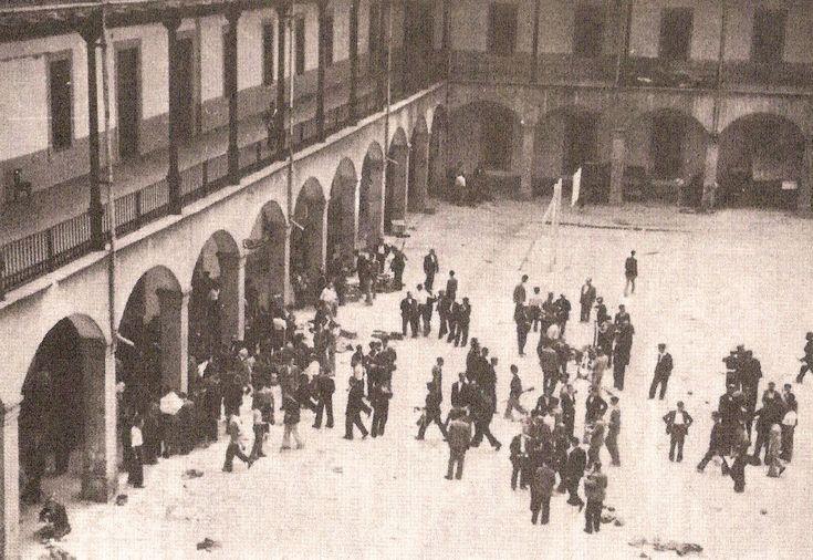 Cuartel de la Montaña tras la ocupación por paisanos y militares republicanos. Madrid, 1936 - Portal Fuenterrebollo