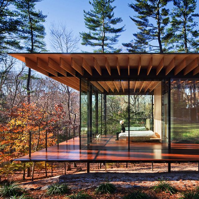 Glass / Wood House by Kengo Kuma, New Canaan, Connecticut USA, Similar concept to Mies Van Der Rohe's Farnswortt House, but less modern, more colloquial.