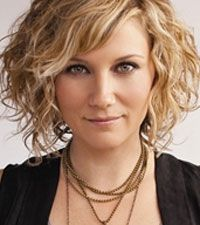 Jennifer Nettles' - love, love, love this haircut....